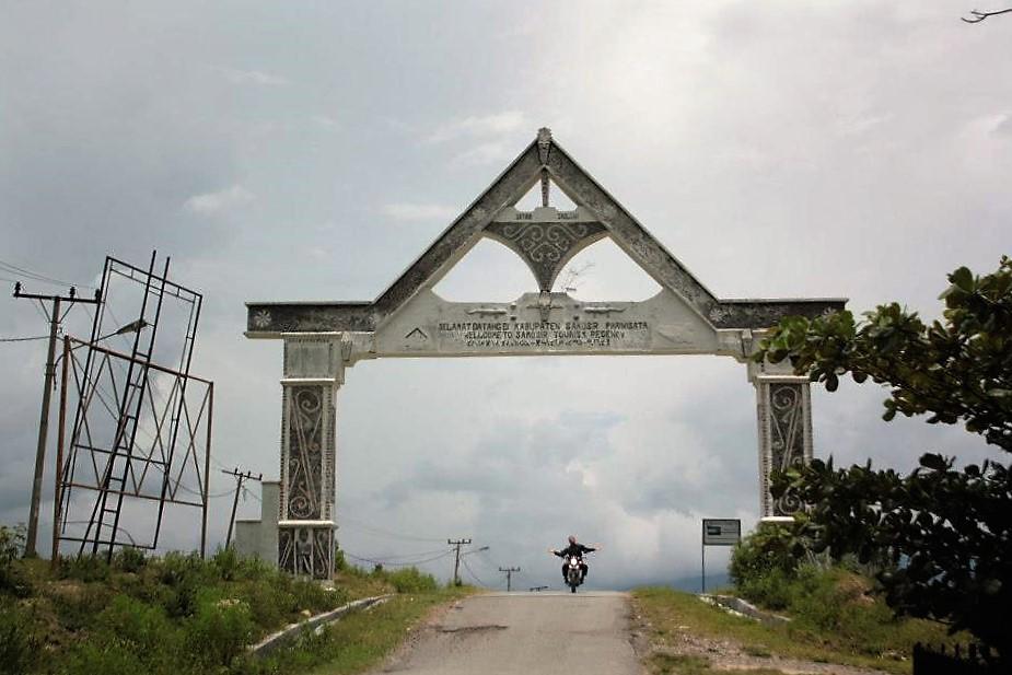 lake toba tomok island motobike