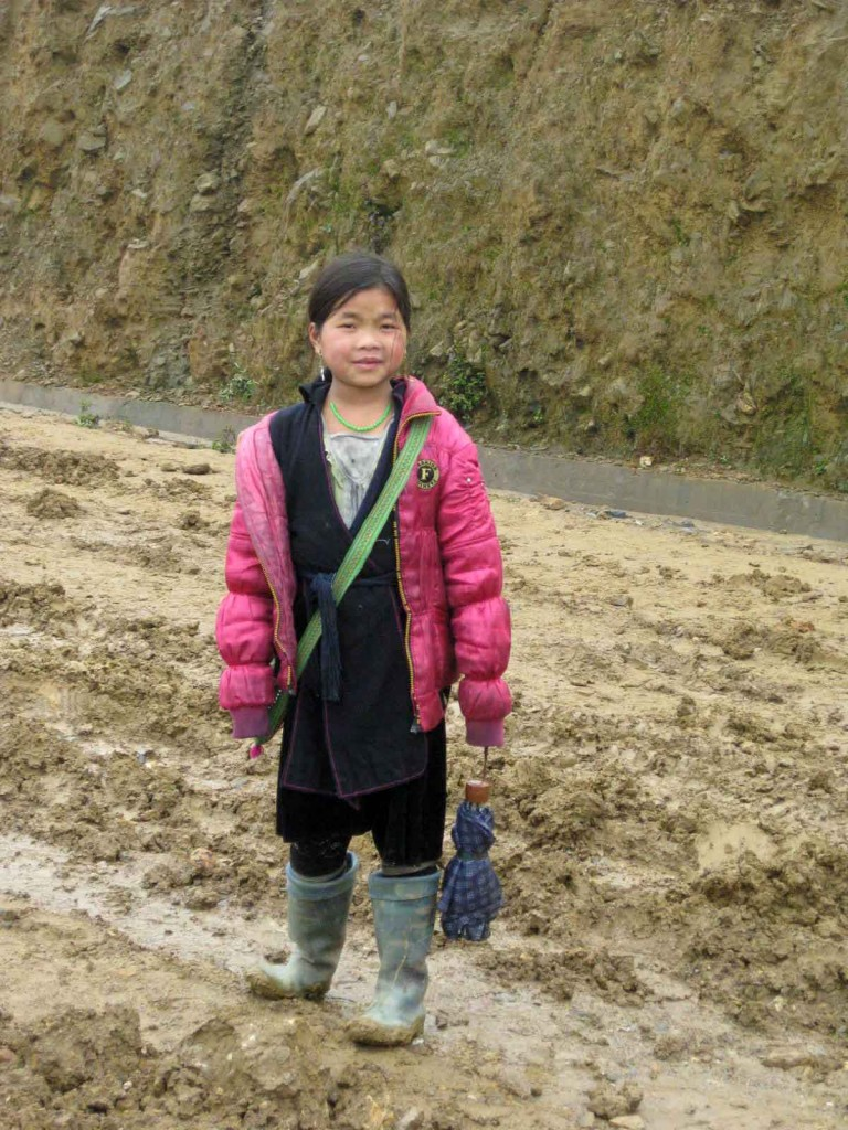 sapa minority trek guide girl