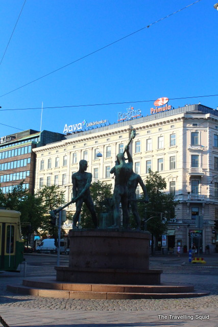 helsinki city sights statue