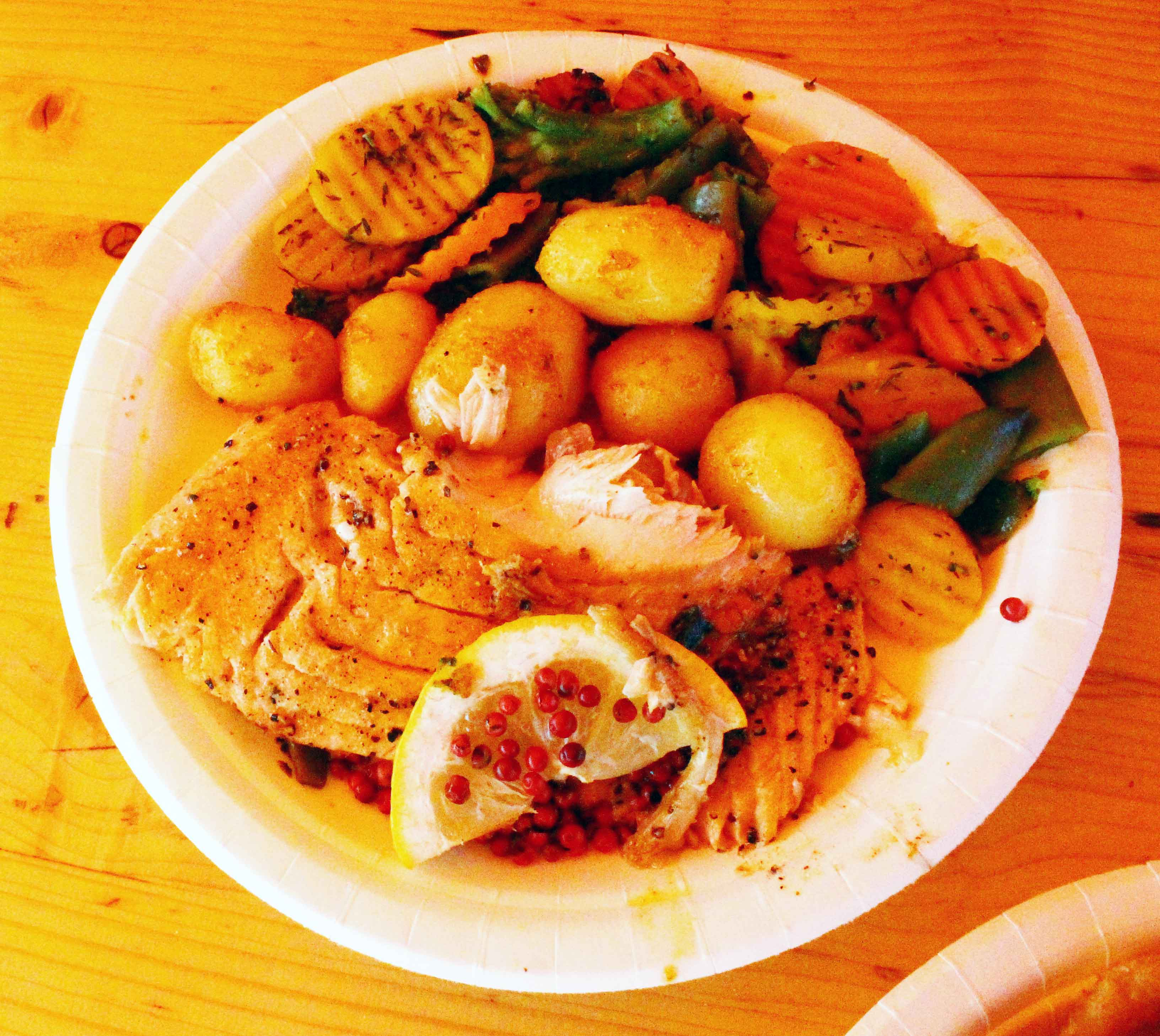 salmon-platter kauppatori market helsinki