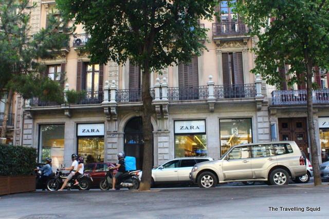 why you should bike in Barcelona