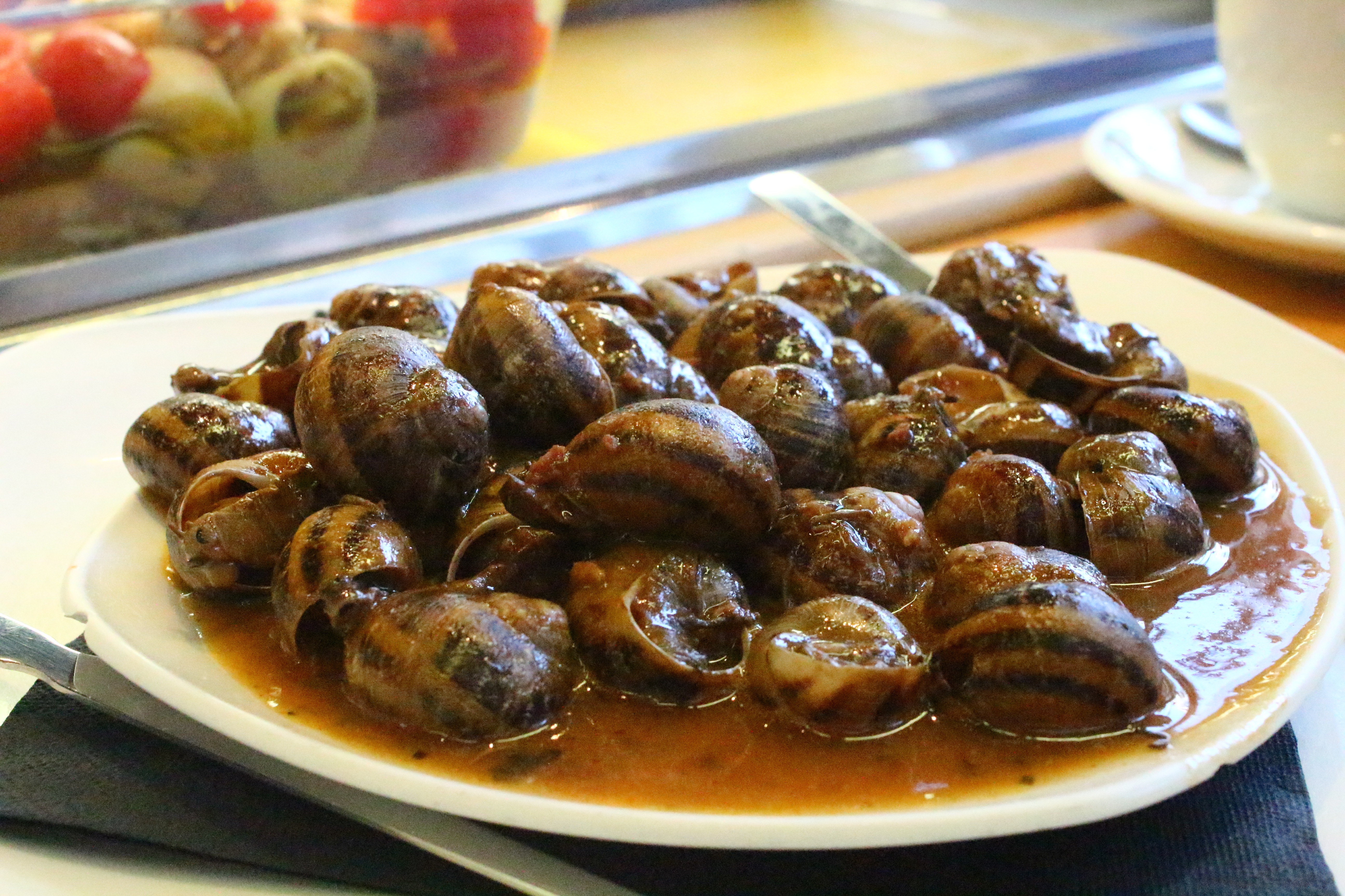 snails with sauce taps sant antoni