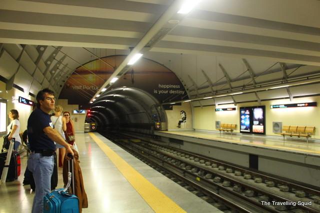 barcelona airport train