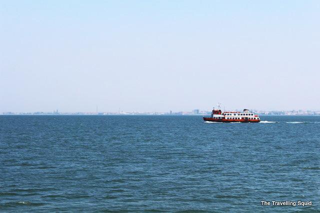 Cacilhas lisbon ferry