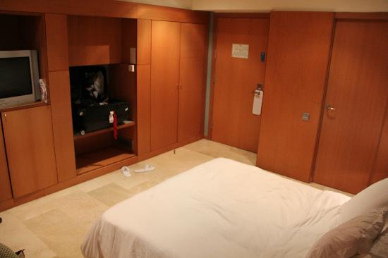 gran-hotel-torre-catalunya-room