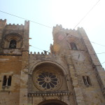 Visiting the Lisbon Cathedral and Santo António Church in Sé