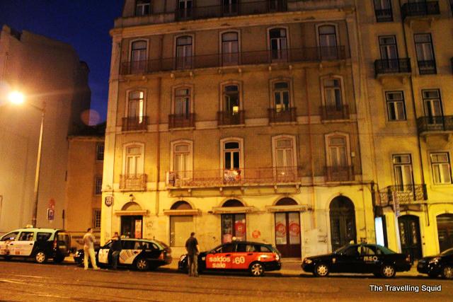 lisbon nightlife taxi