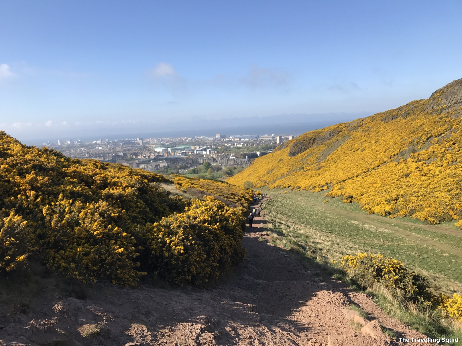 climbing up arthurs seat easy way