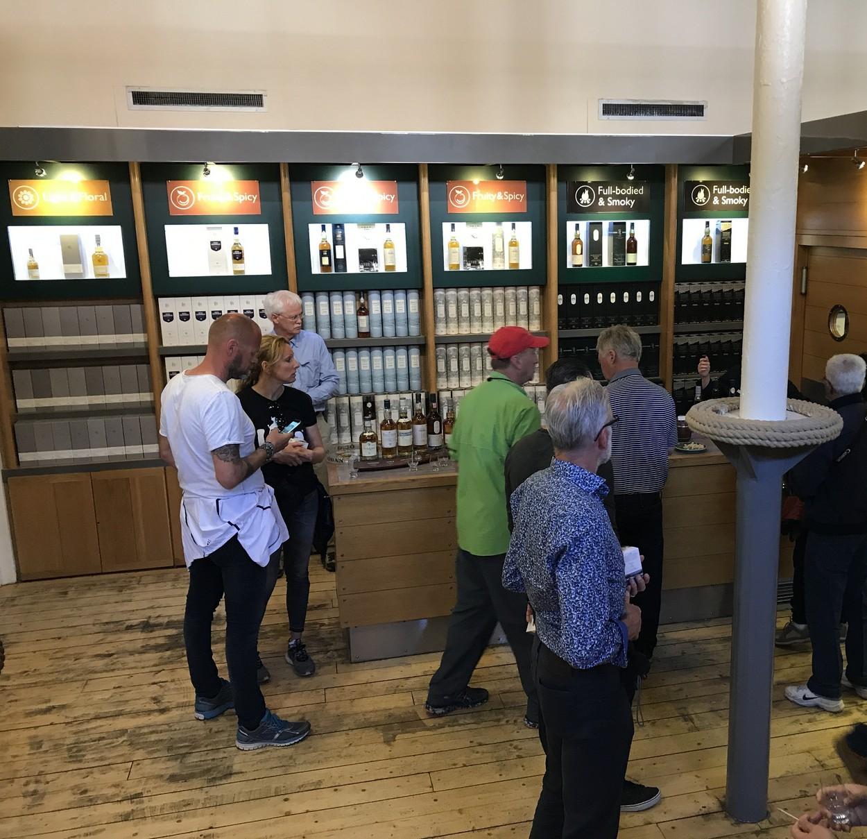 oban distillery tour bar