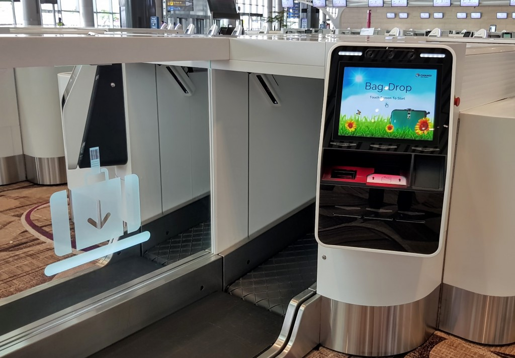 automated bag drop at Changi terminal 4
