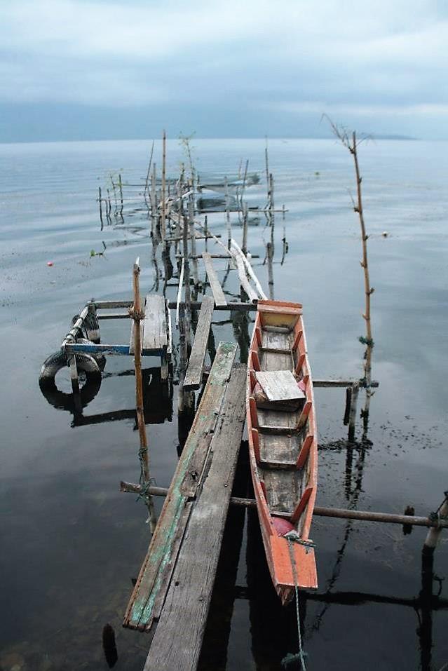 Sampans parapat lake toba sumatra