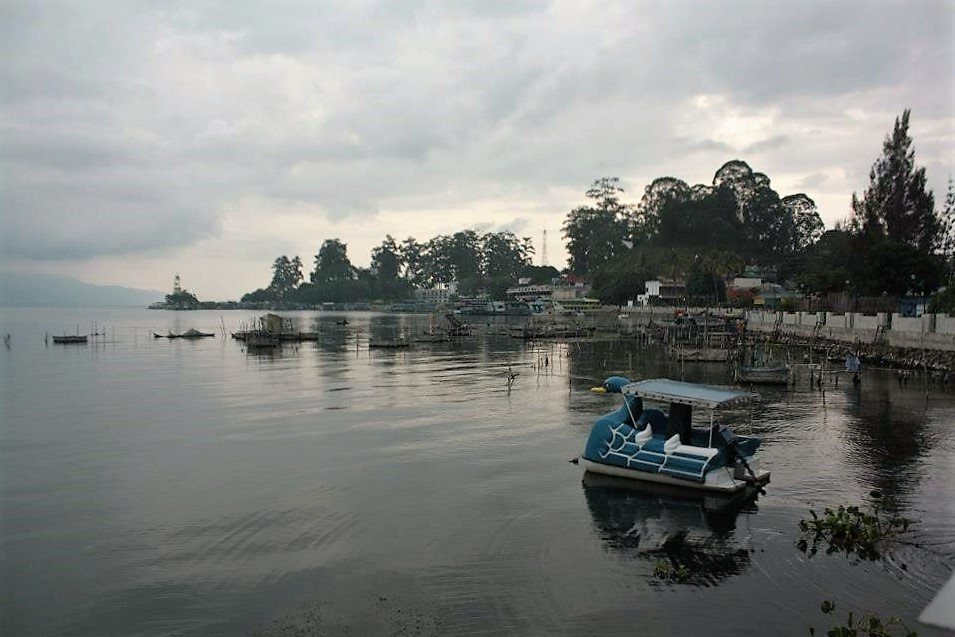 lake toba boat islands