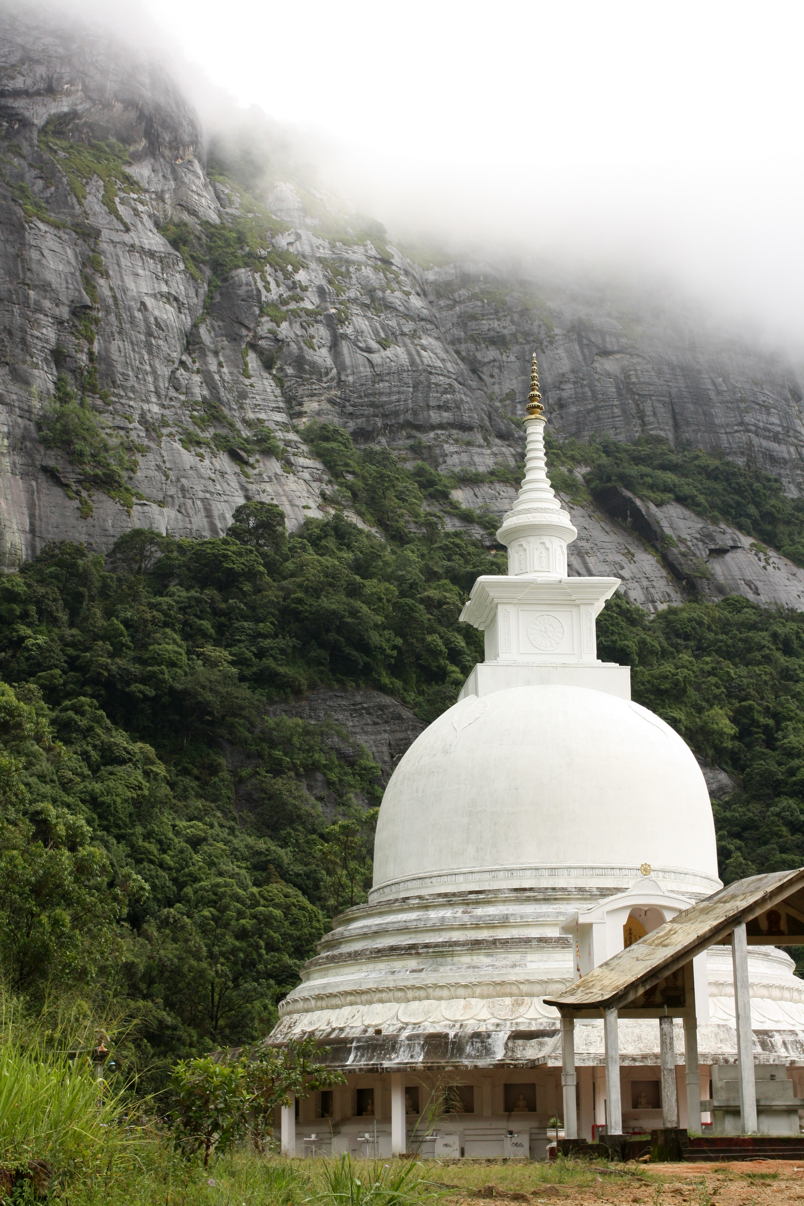 White Stupa on the way to Adam's Peak