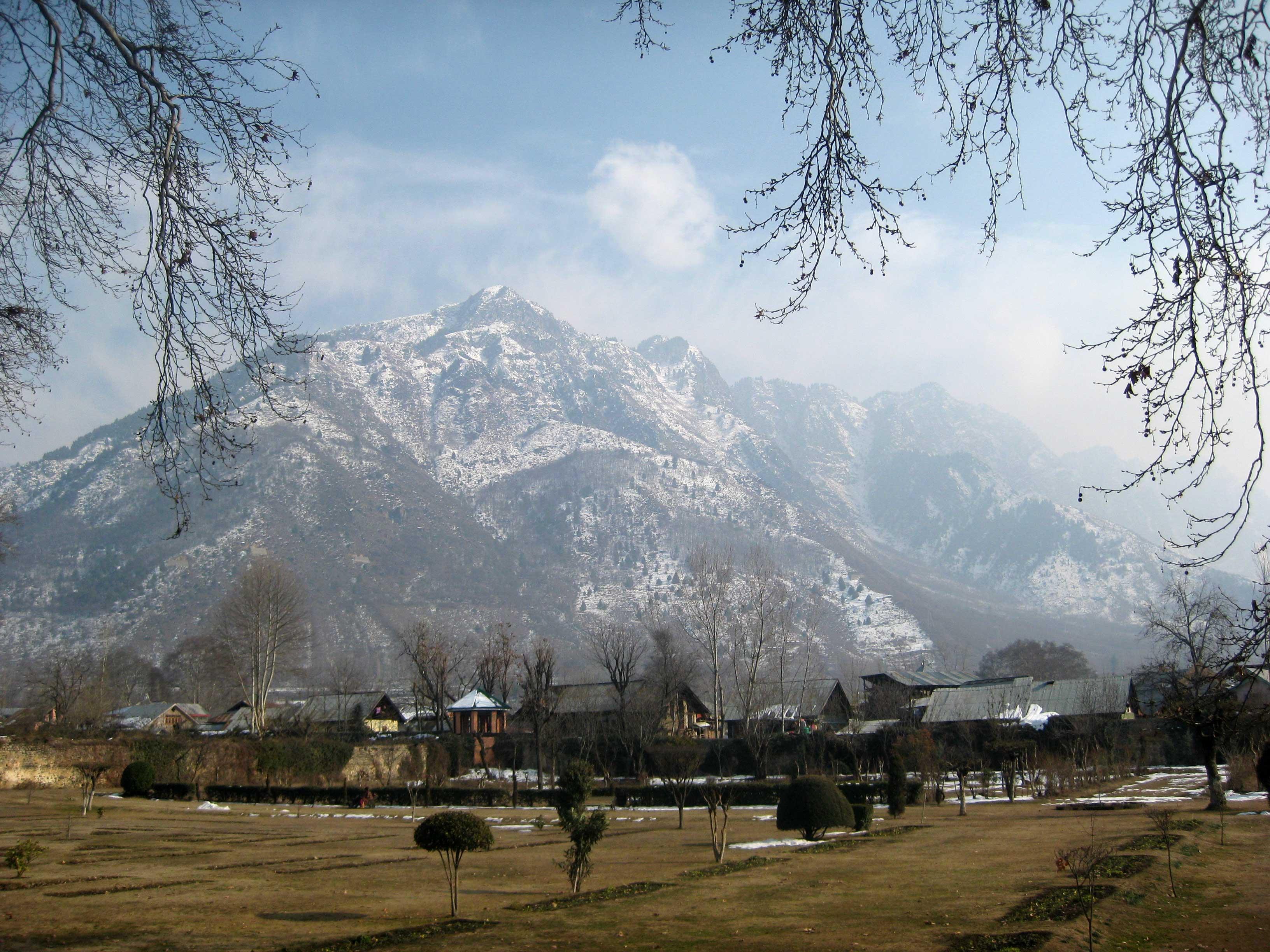 A Kashmiri Photo Story 4 Shalimar Bagh Srinagar The Travelling Squid