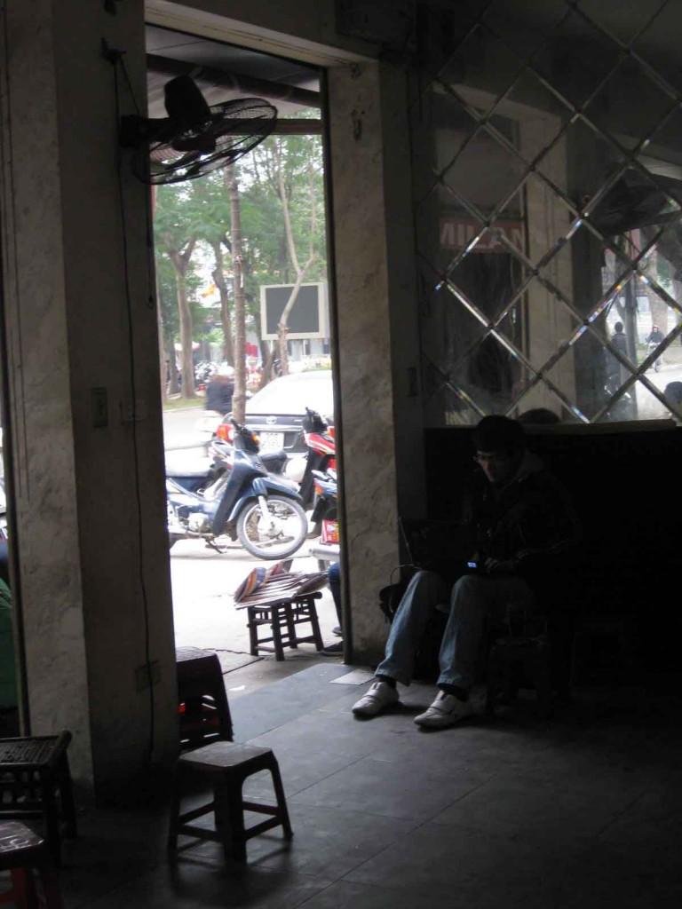 vietnam starbucks cafe coffee hanoi