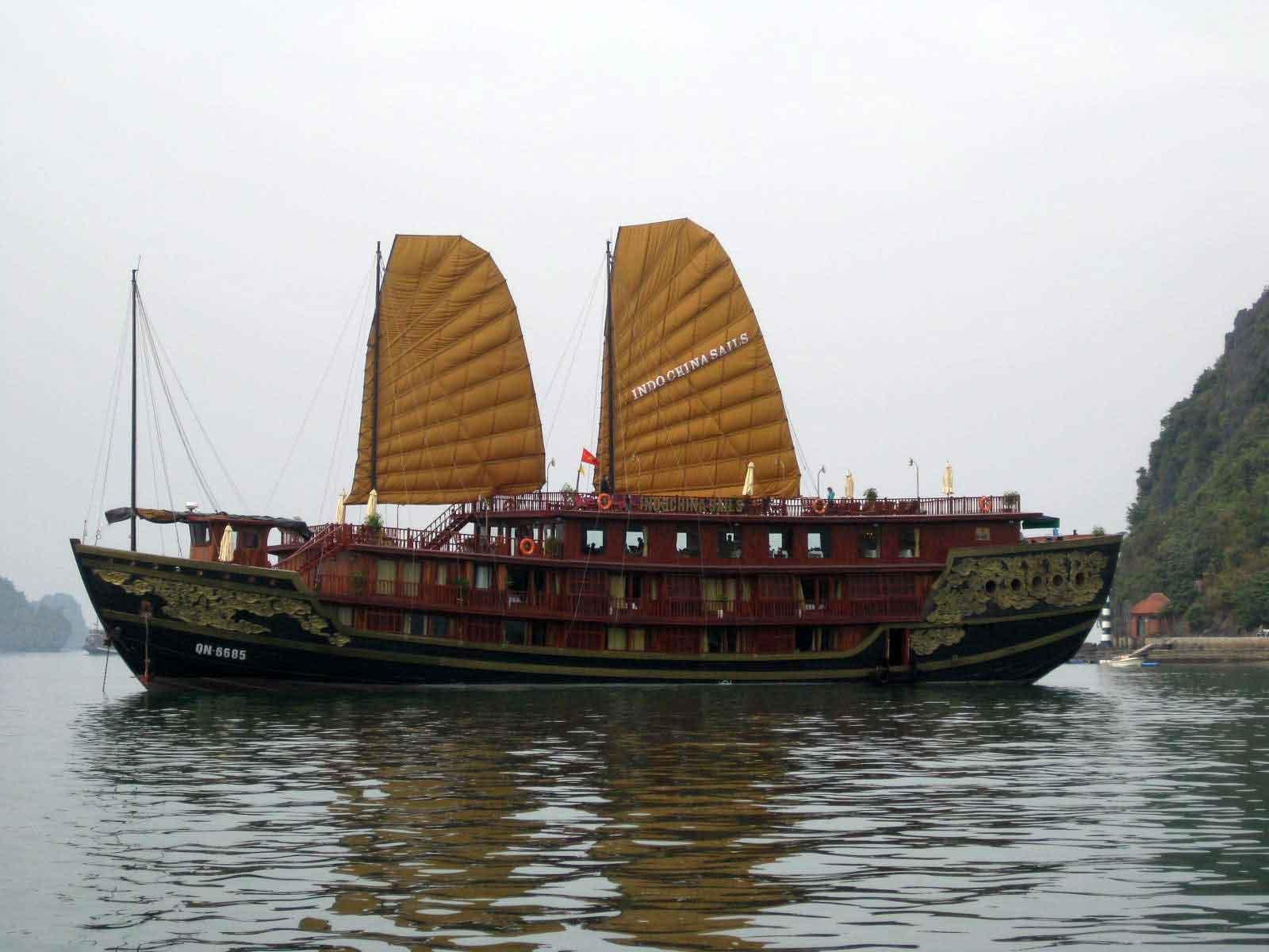 Halong bay cruise 2D1N