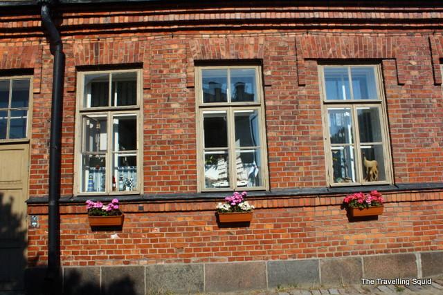 brick building suomenlinna red
