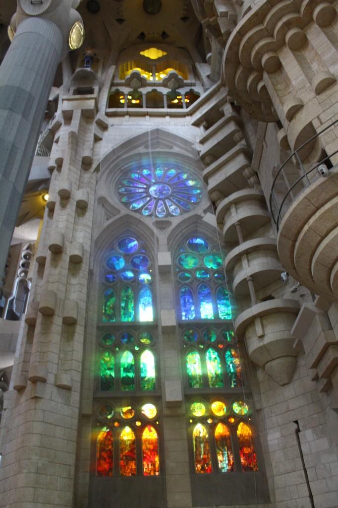 In pictures 2 the interior of la sagrada familia and for La sagrada familia interior