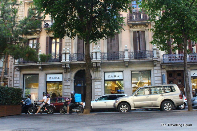 why you should bike in Barcelona