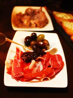 Hamon and olives ziryab