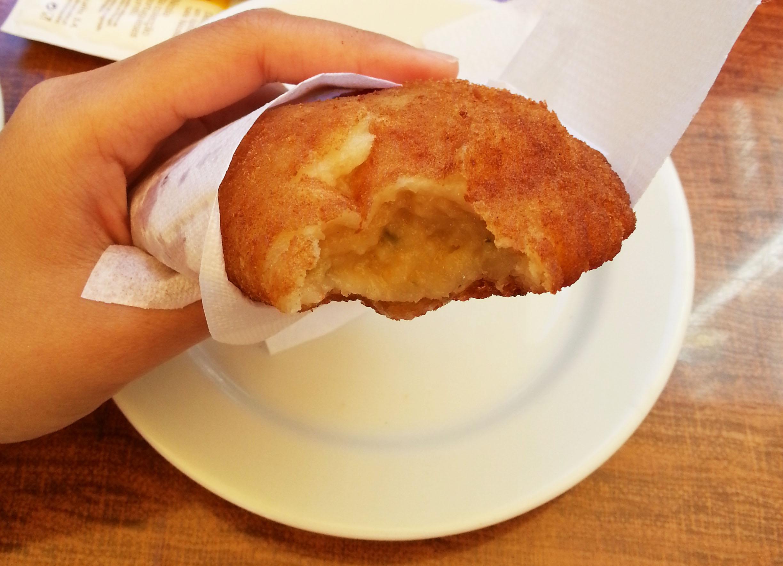 bacalhau puff nicola cafes lisbon