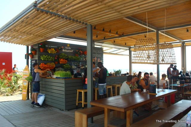 barceloneta beach juice bar
