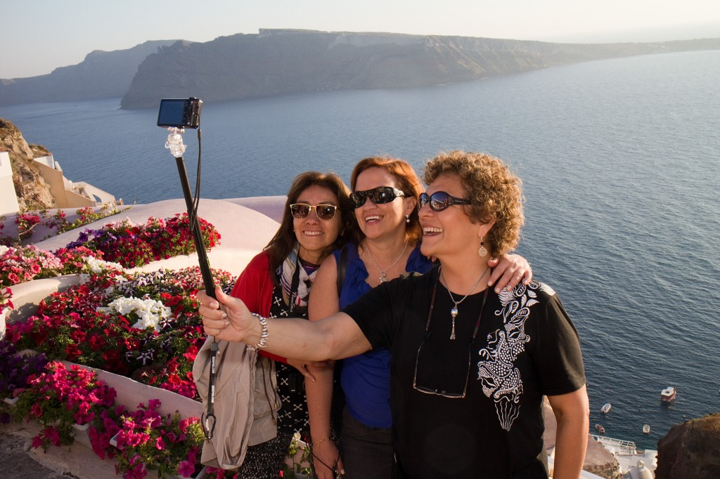 selfie stick travelling