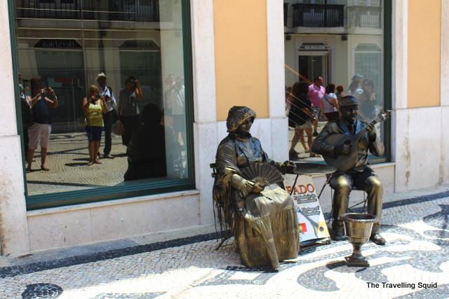 rua augusta baixa lisbon street performers