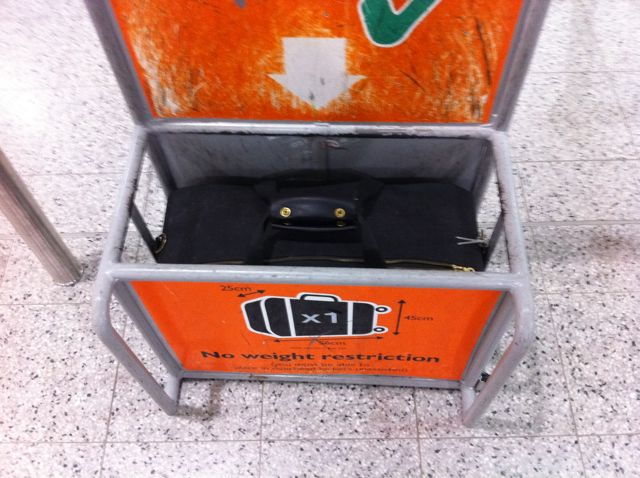 easyjet cabin baggage