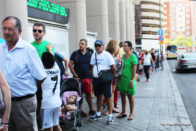 real madrid bernabeu tour queue