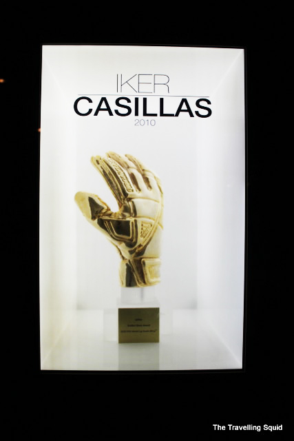 real madrid bernabeu tour cassilas glove