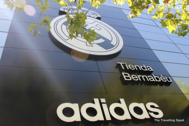 real madrid bernabeu tour souvenir shop