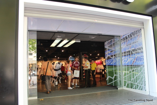 real madrid bernabeu tour souvenir shop