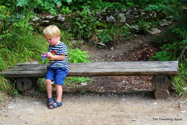 plitvice lakes visitors kid