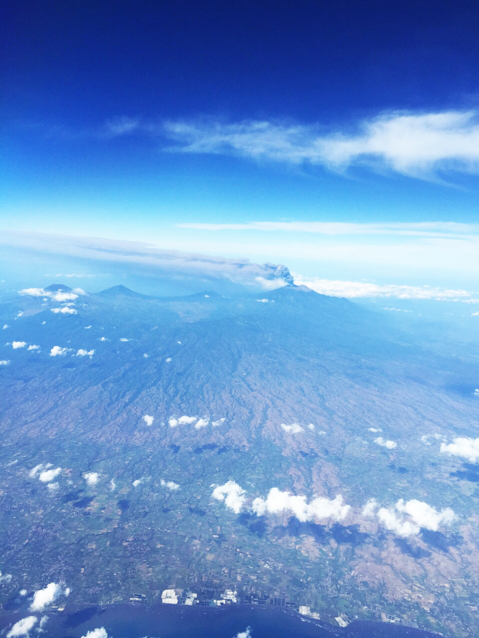 mount raung bali airport closure
