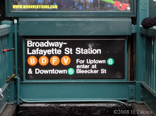 This is a good example. If I'm heading Downtown on Line 6, I'll use this entrance. Credits: H Takacs 2008.