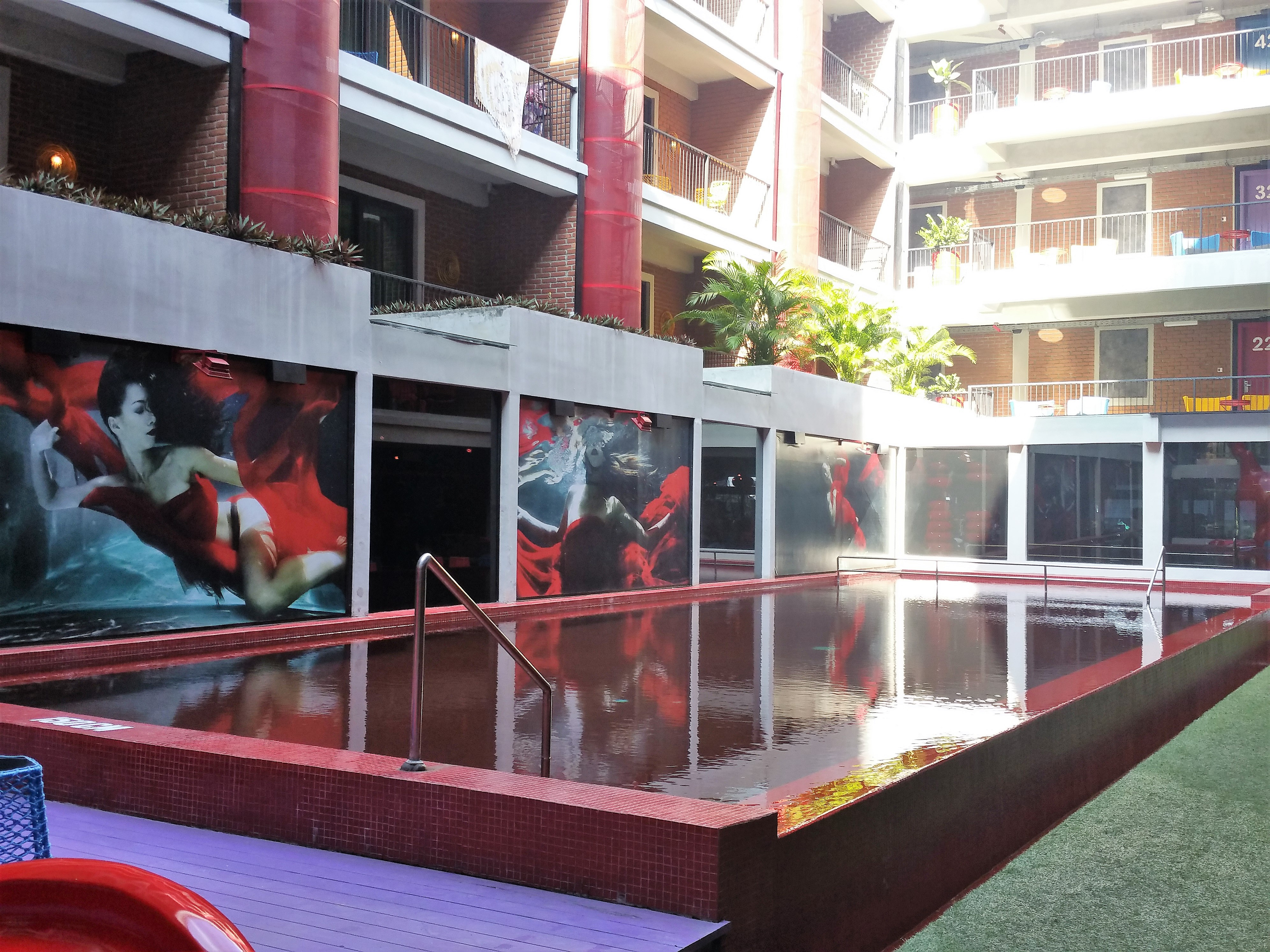 dash hotel bali seminyak swimming pool