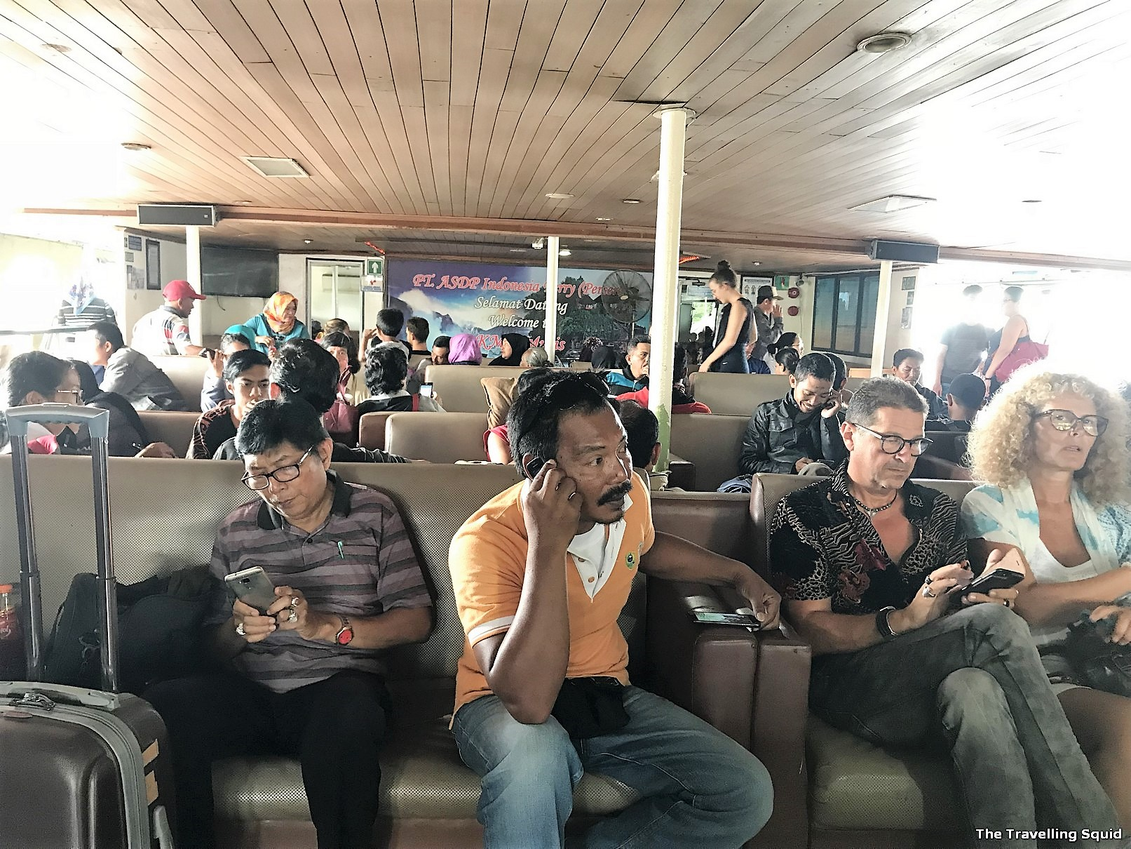 bali ferry waiting area java north west