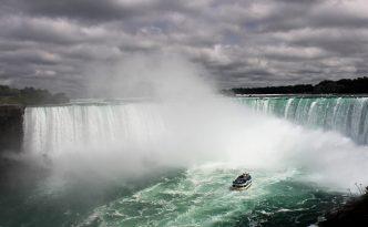 niagara falls canada side boat ride