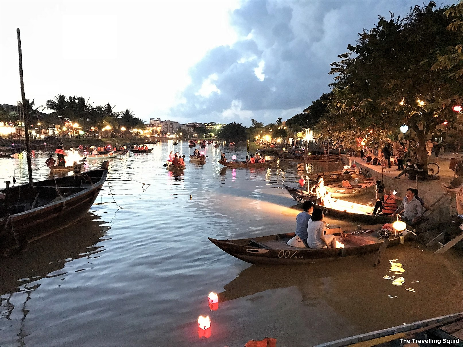 Is Hoi An worth a visit? hoi an anicent town Thu Bon River dusk
