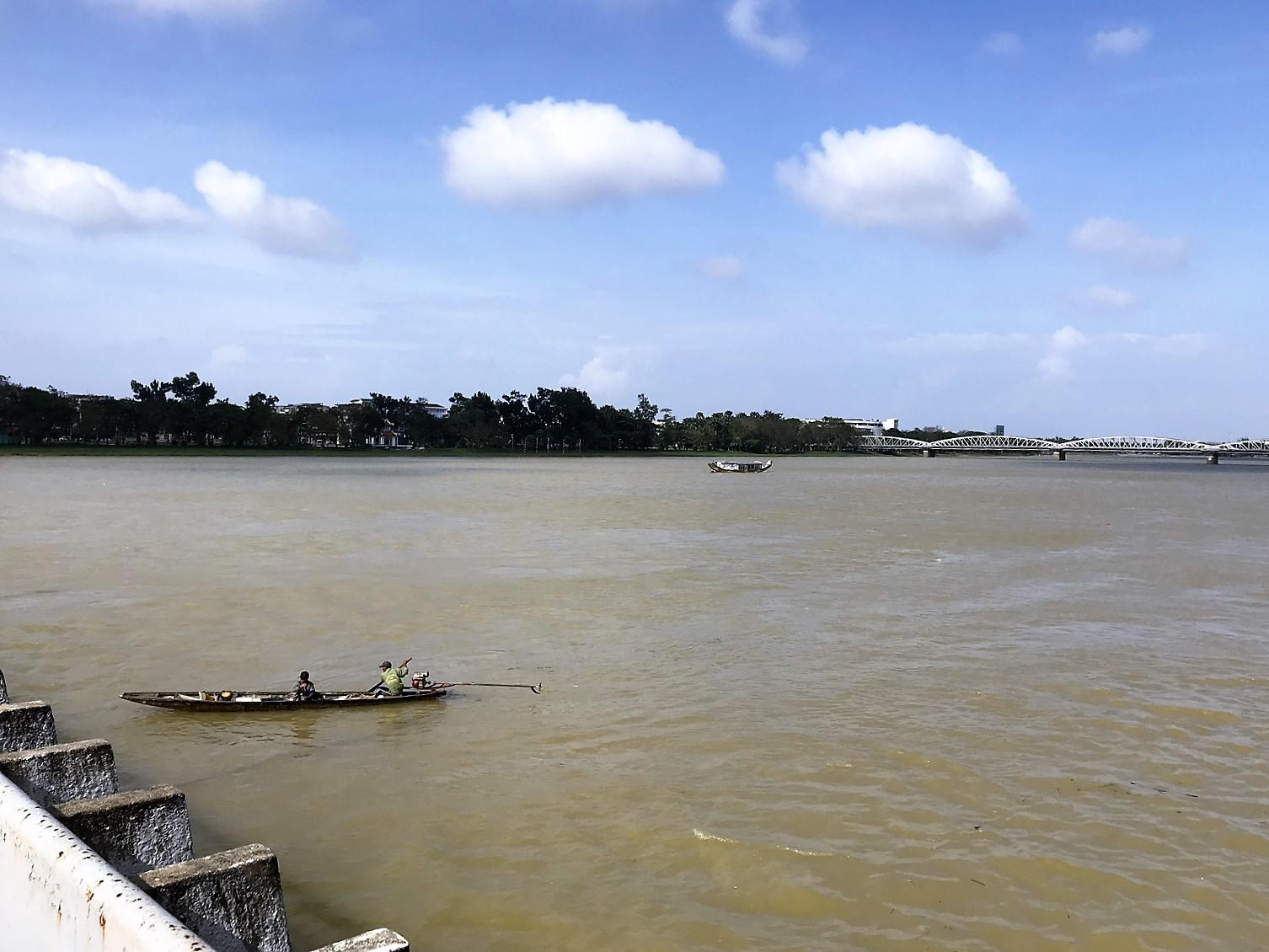 perfume river view phu xuan bridge