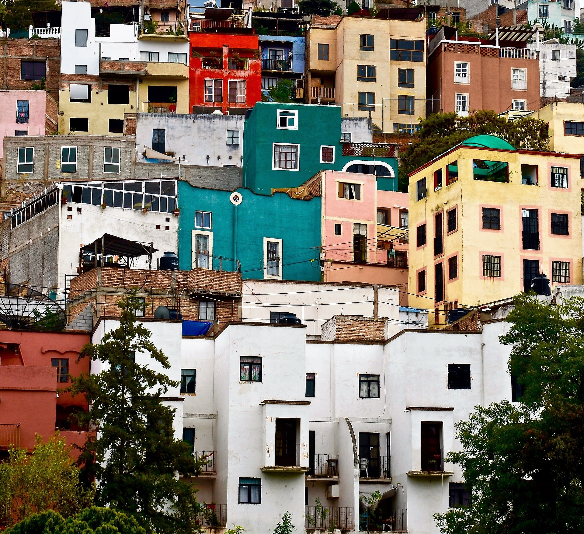 mexico_worth_visiting_screwtheaverage_guest_post_travelingsquid_culture_houses