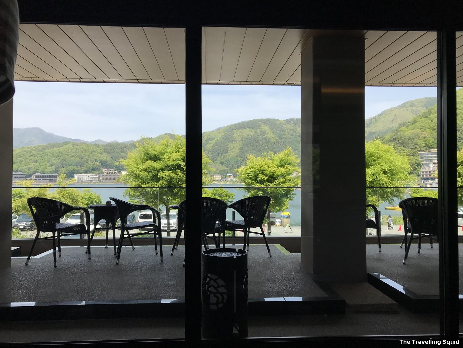 hotel konansu kawaguchiko lobby lounge view