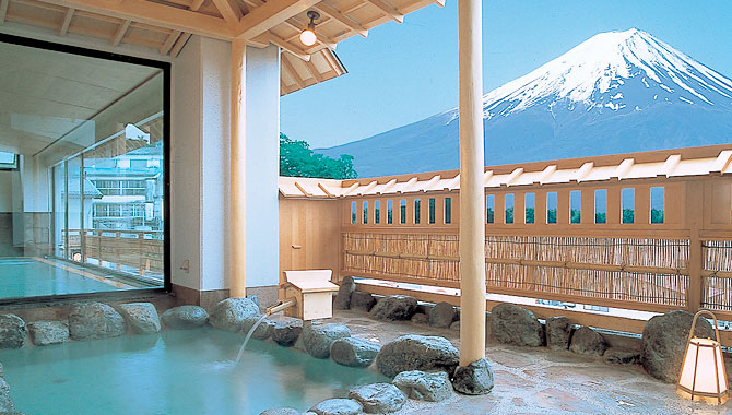 onsen outdoor pool hotel konanso
