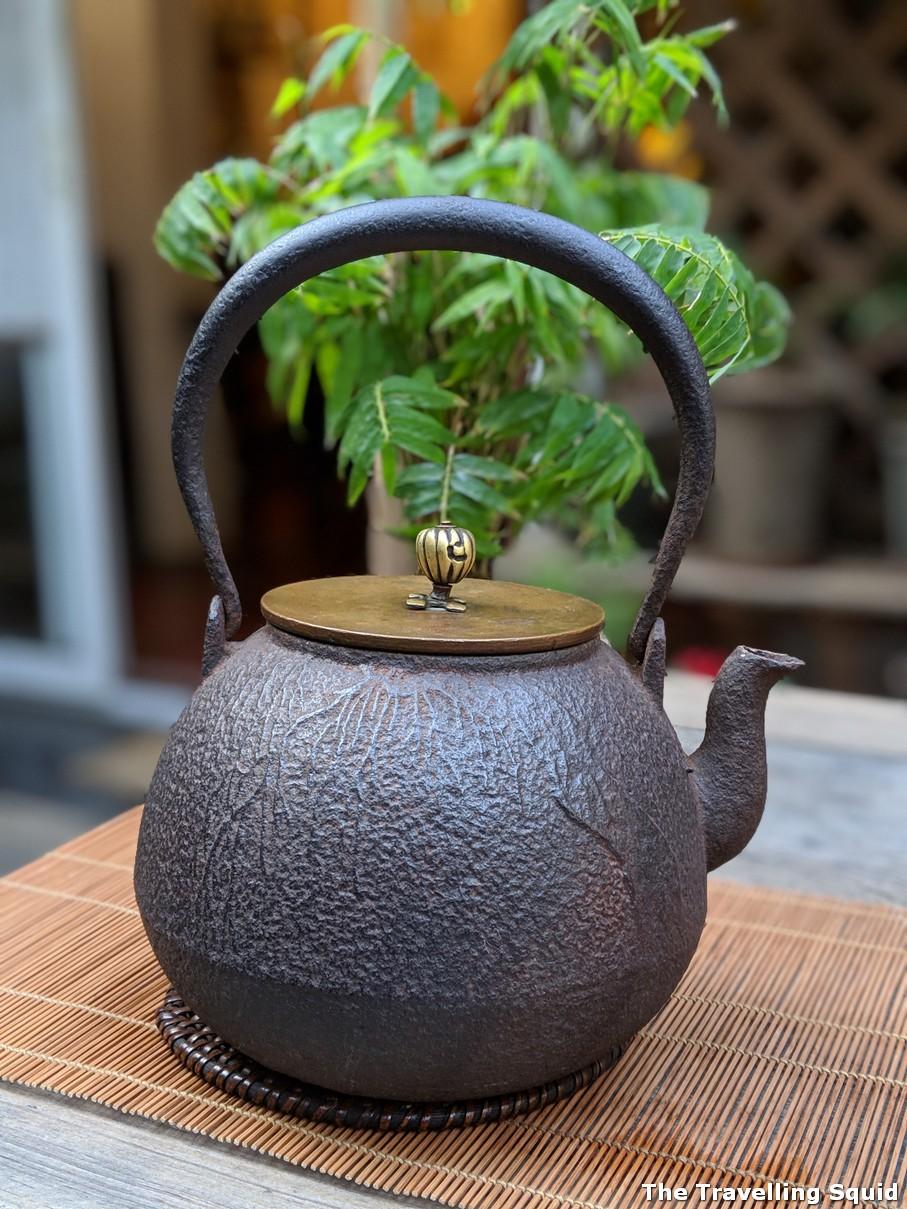 Antique kettle Qiao Bing Shan Fang tea house in Shanghai