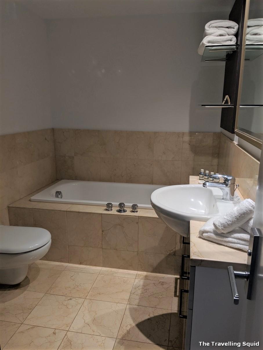 Avani Residences auckland bathroom