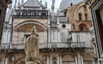 statue doge's palace venice