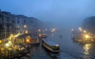 evening rialto bridge