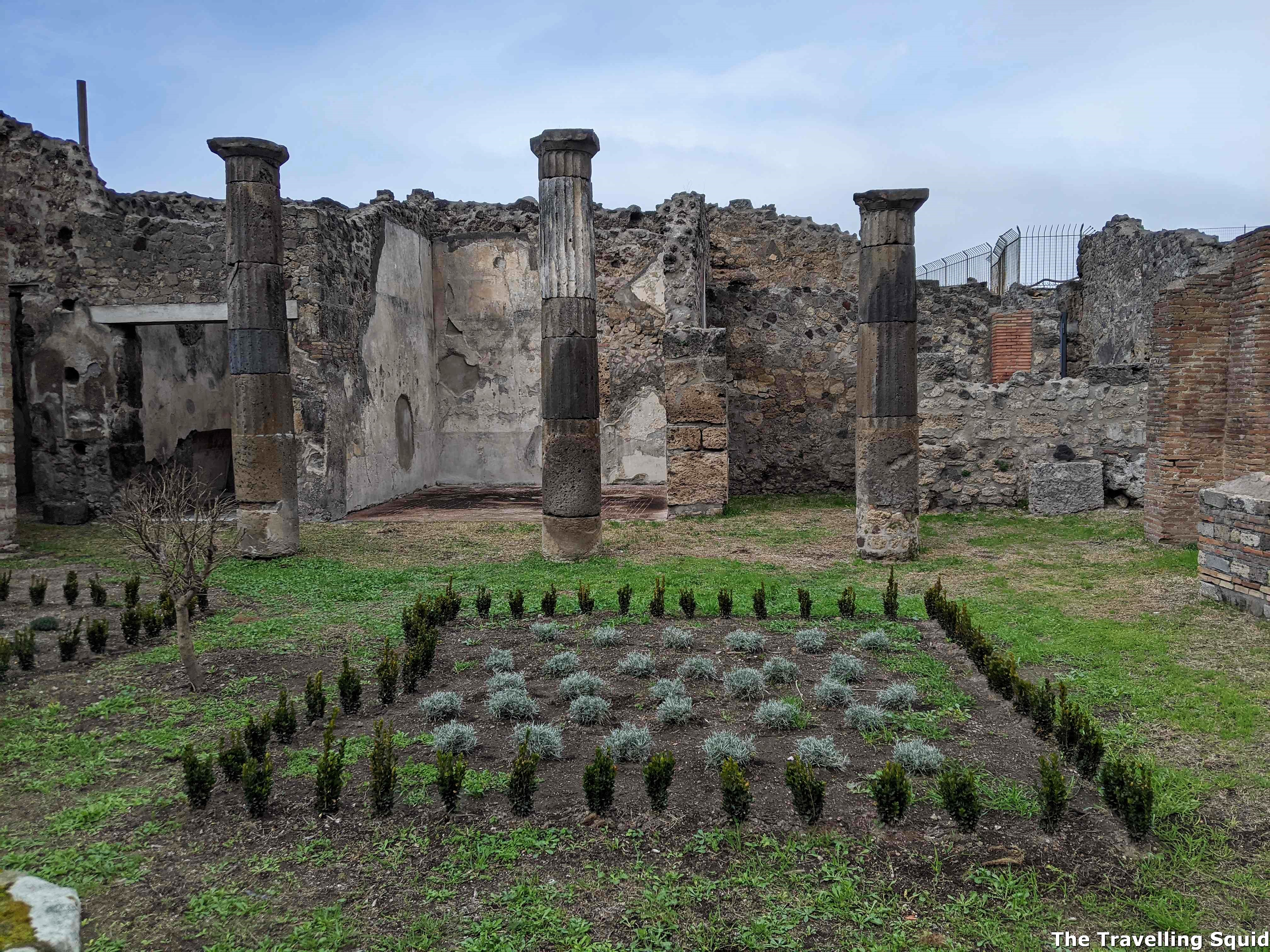 Is Pompeii worth visiting from Naples